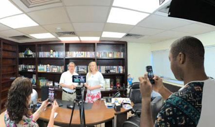 A transmissão em tempo real foi realizada no escritório do Missionário, no Rio.