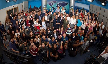 Estúdios da RIT TV, no Rio de Janeiro, receberam cerca de 40 convidados nesta quarta (11).